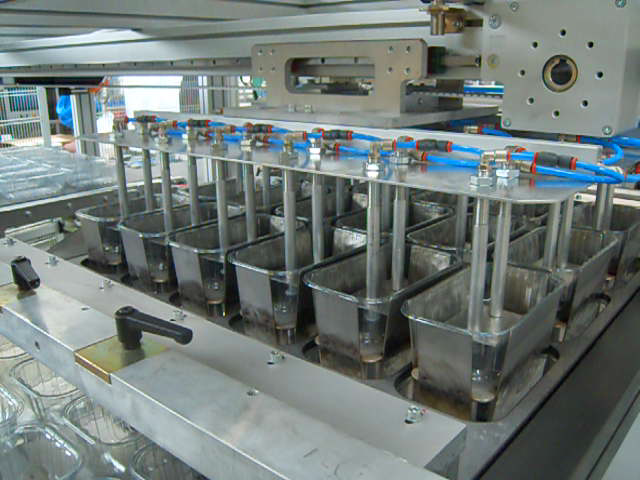 Vacuum Cups Robot Omg Thermoforming Torino